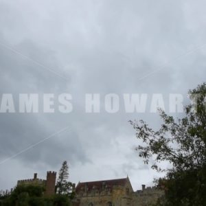 ENGLAND – CIRCA 2011: Tilt down past flower garden to Penshurst Place Castle. - Actor Stock Footage