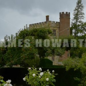 ENGLAND – CIRCA 2011: Tilt up past flower garden to Penshurst Place Castle. - Actor Stock Footage